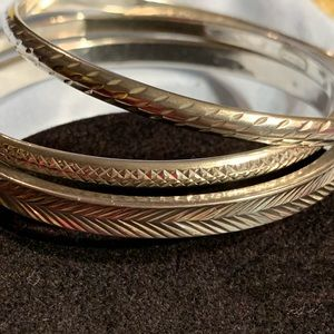 Jewelry - Set of 3 SS bangles